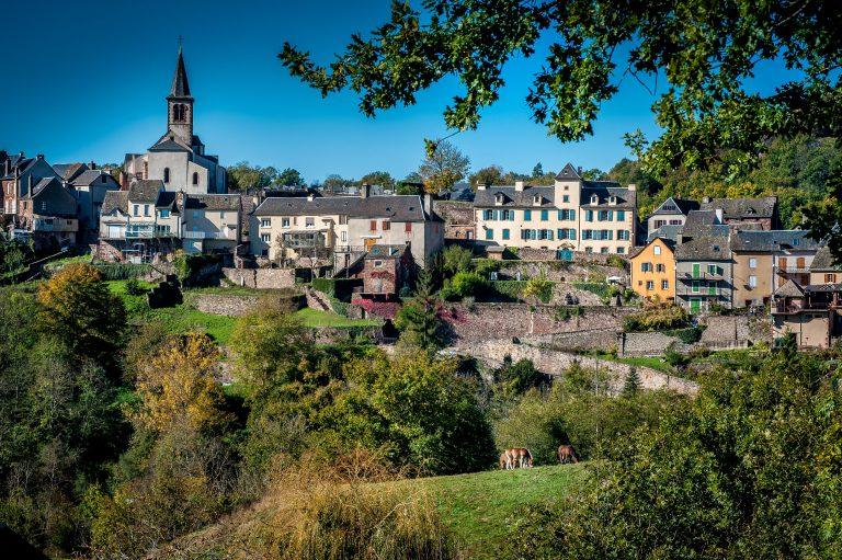 Vue du village de Saint-Laurent-d'Olt